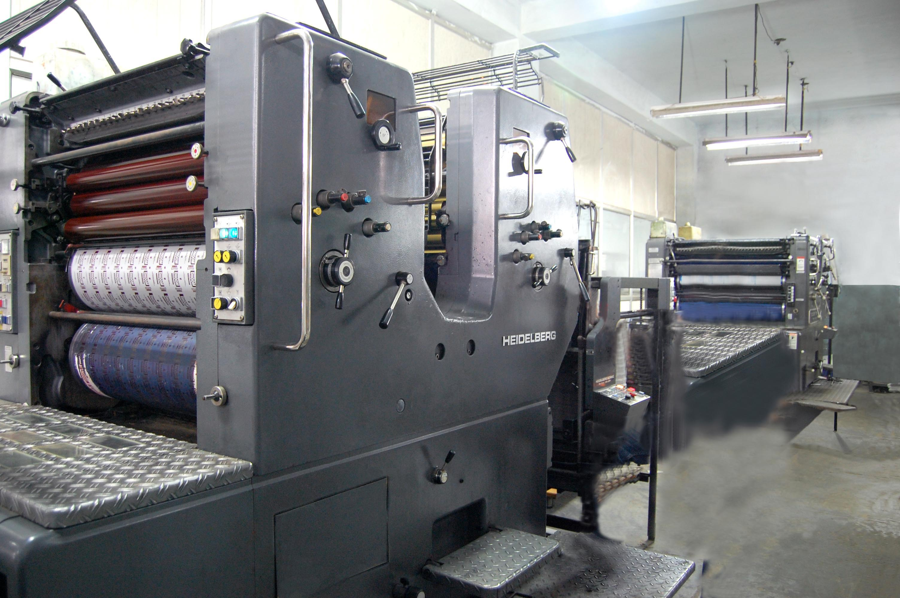 Automatic Die cutting Bobst; Manual ...